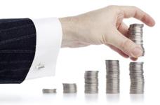 Schwankender Euro-Dollar-Kurs wirkt sich auf Konsluargebühr aus