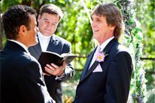 Nichteinwanderungsvisa: Abgeleiteter Status für gleichgeschlechtliche Ehepaare